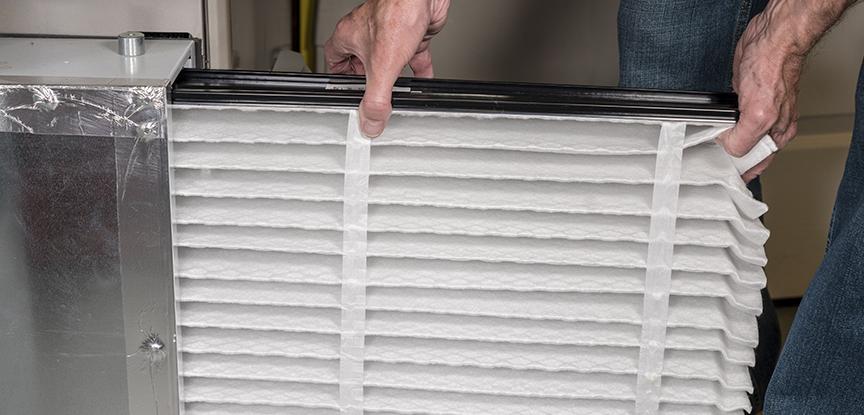 Manutenção preventiva de filtros é um dos serviços mais importantes para garantir uma refrigeração de ar eficaz.